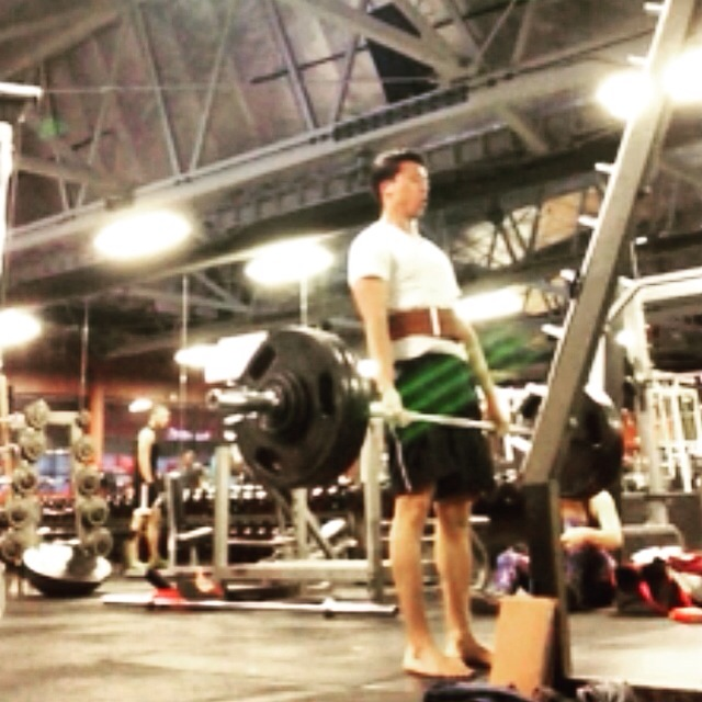 "The ""Hang Grip"" for Deadlifts and Barbell Rows"